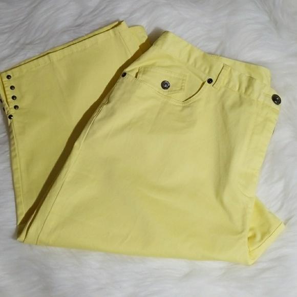 5487457dfd0 Hearts Of Palm Pants - Plus size Yellow Capris